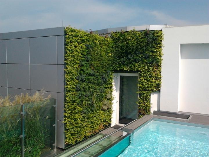 Sundar Italia terrazzo con piscina 1