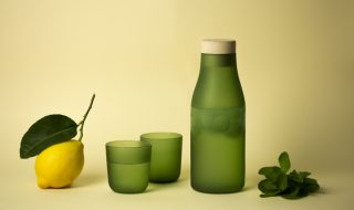 Gela, Goro, bottiglia e bicchiere, internoitaliano