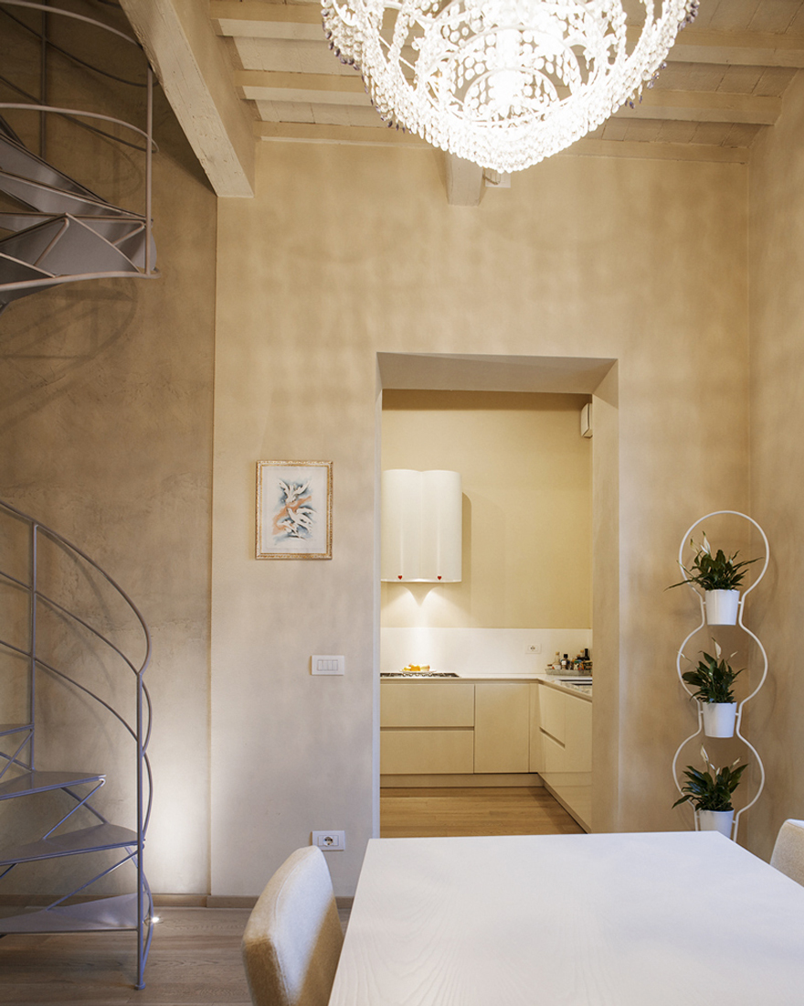 Home renovation within a historical building in Lucca
