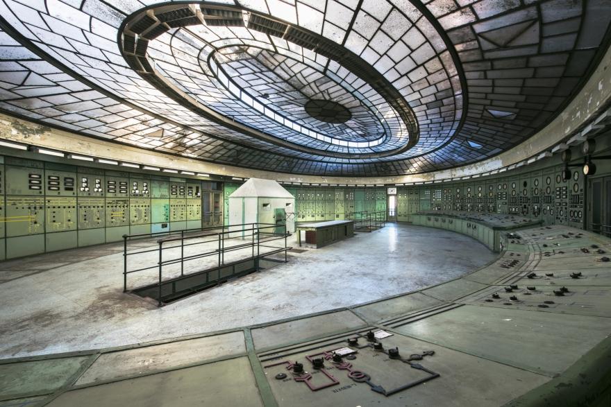 5_Hungary_Kelenföld Strom Plant_Photo ReginaldVandeVelde - total verloren Ausgabe 2015