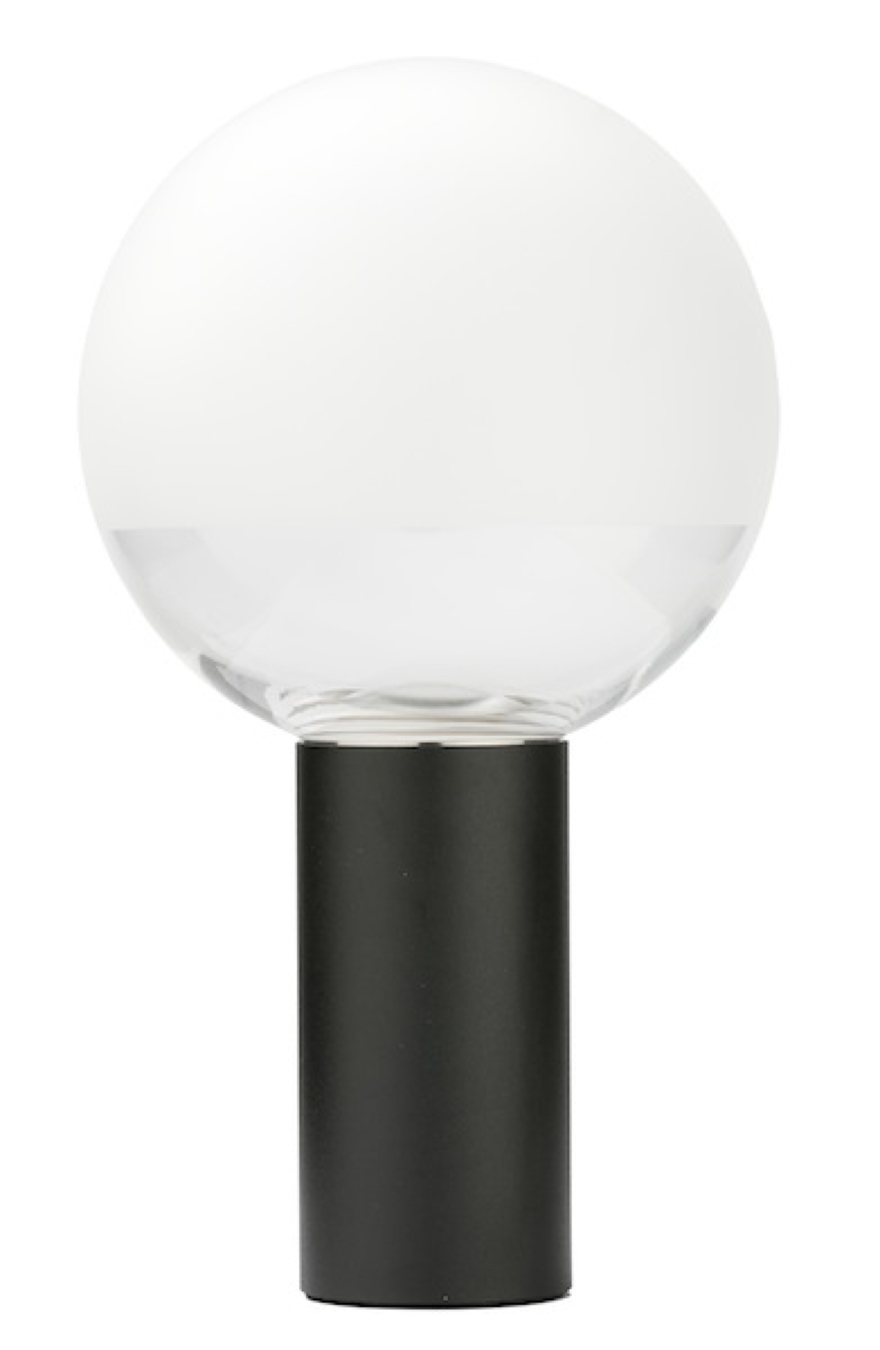 KUULA la nuova lampada da tavolo firmata Thonet