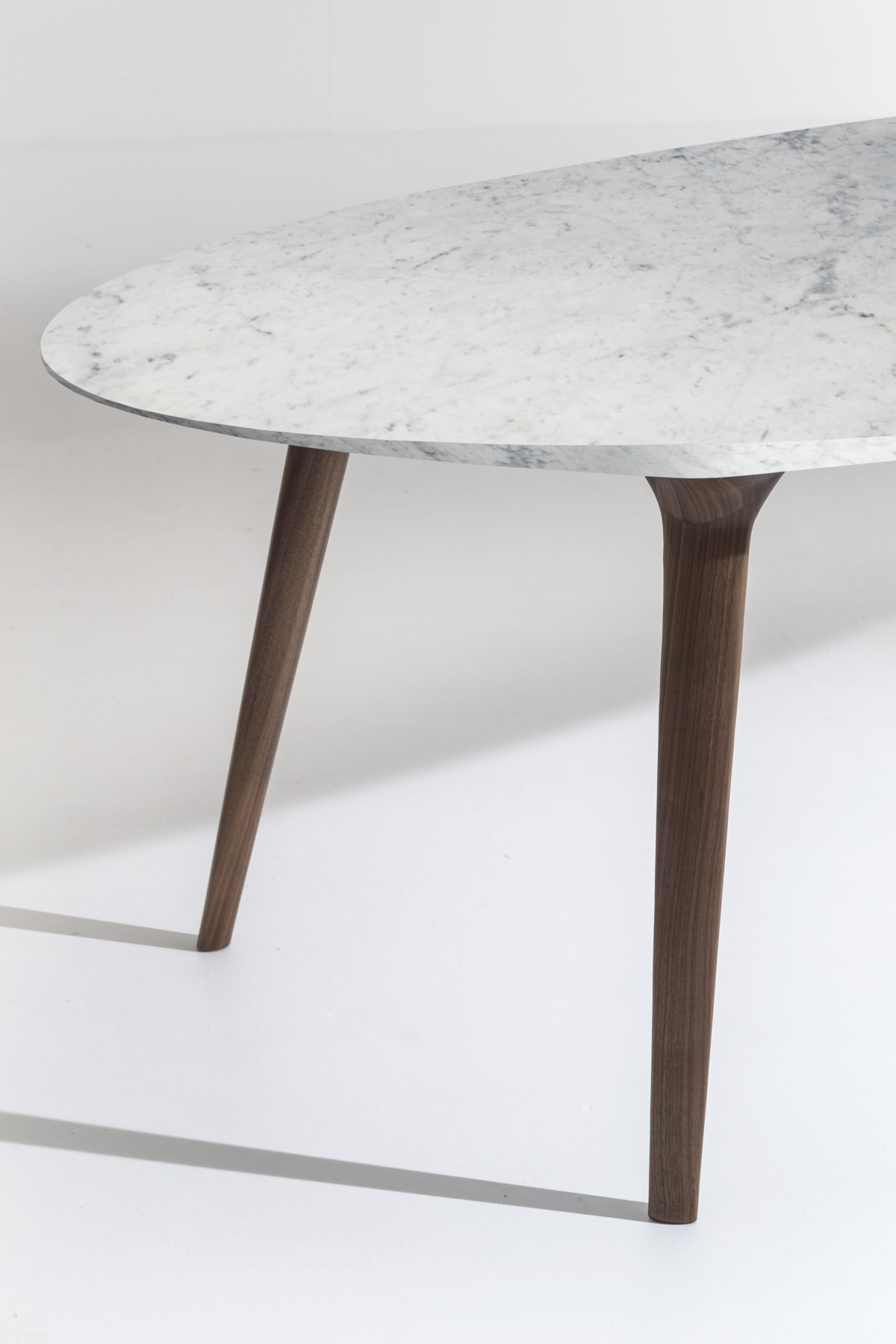 Ademar collection tables Giulio Iacchetti for Bross 14