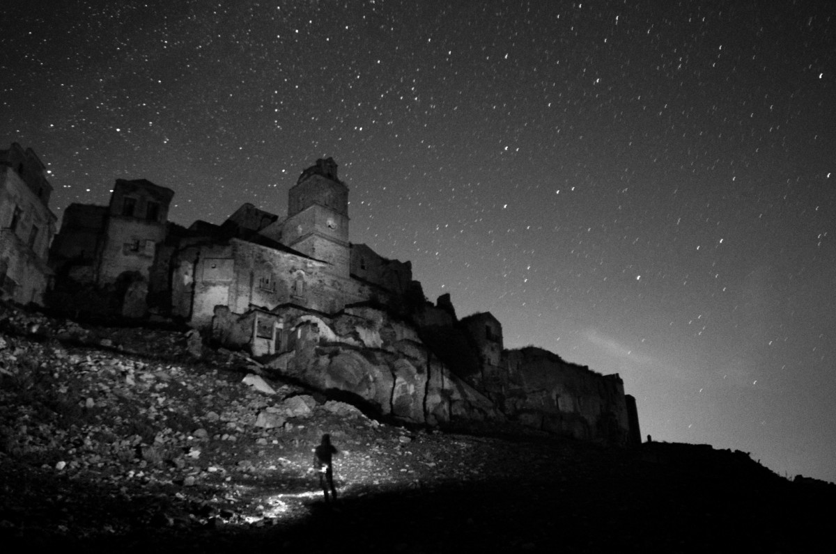 La Fabrica cette Nightescapes, Craco