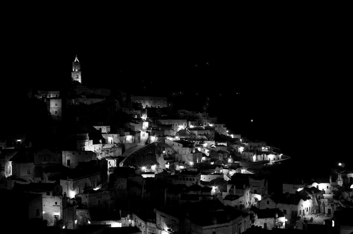 La Fabrica del presente Nightescapes, Matera