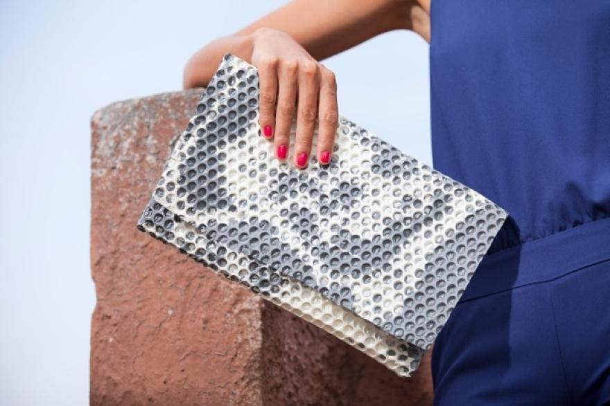 Wrap bag clutch polyurethane design Matteo Pellegrino 09