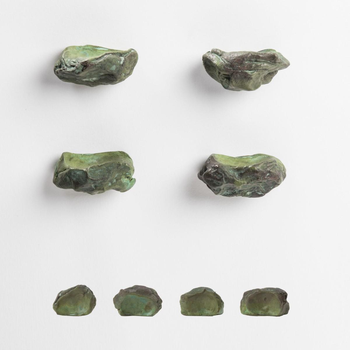 Le sculture funzionali di NJ interiors, pomelli impronta verdi