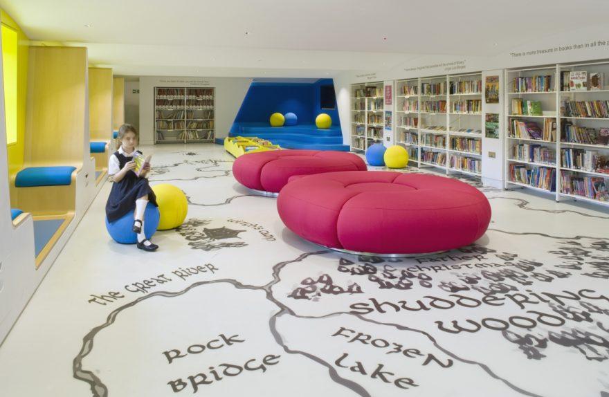 Una Biblioteca Para Los Ni 241 Os Juguetones Y Funcionales En