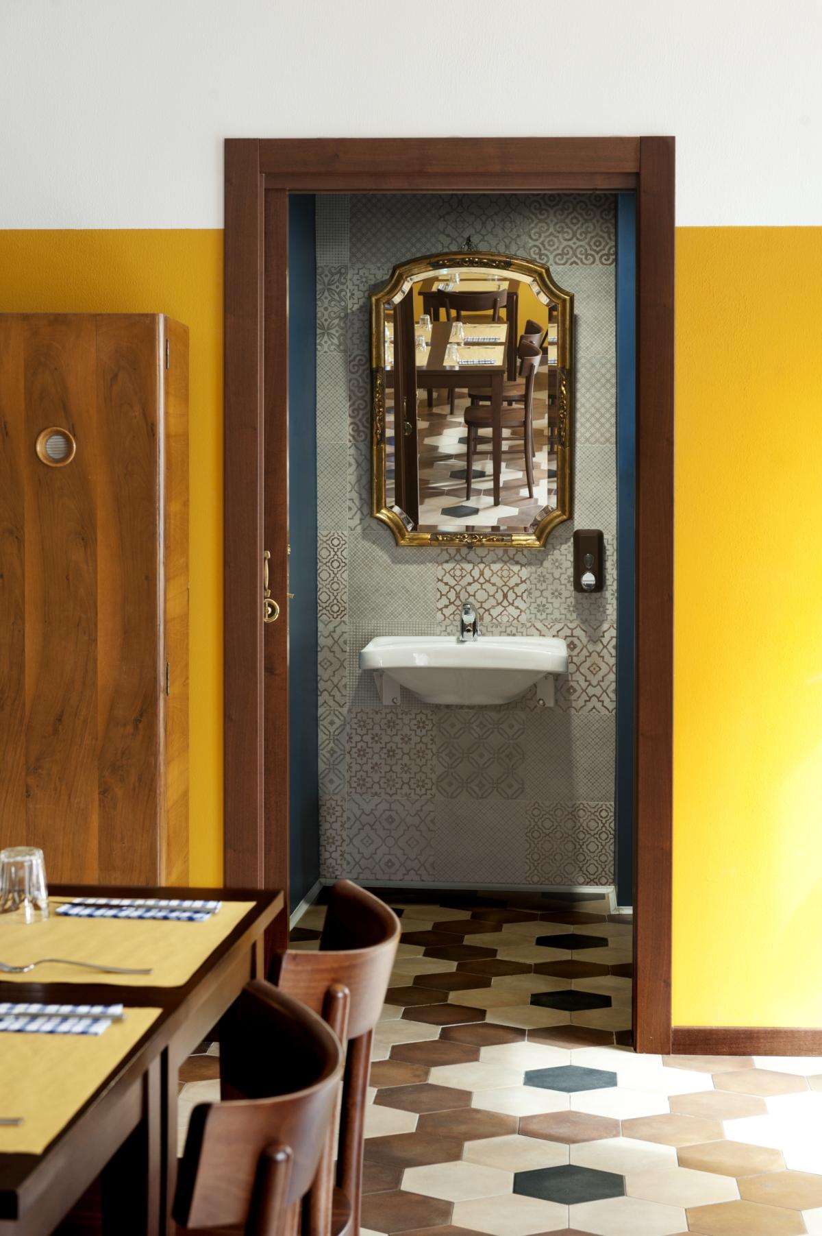 ristorante Trippa di Milano, trattoria old school interior design vintage 11
