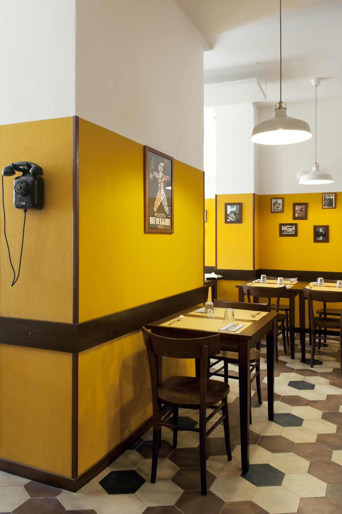 Tripe restaurant in Milan, old school restaurant interior design vintage 19