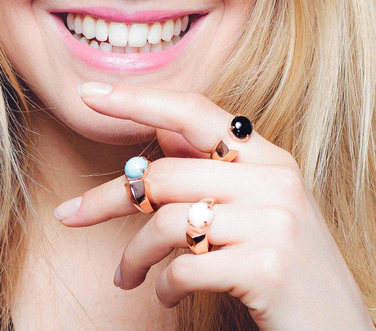 Preziosa gioielli close up ambientata