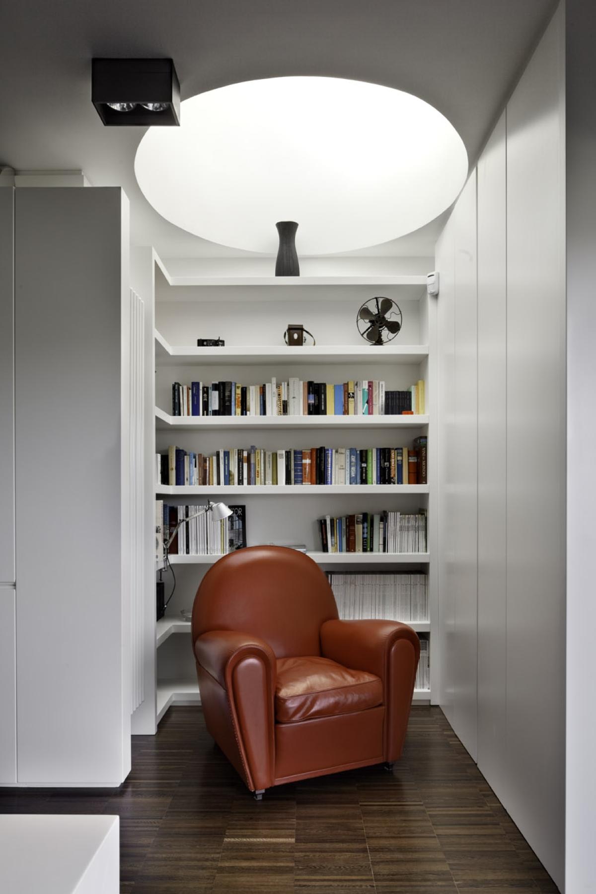 Riqualificazione di un attico romano Westway Architects, zona lettura