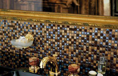 """""""Colección Estilo M"""" con piedras preciosas para """"baños joya"""""""