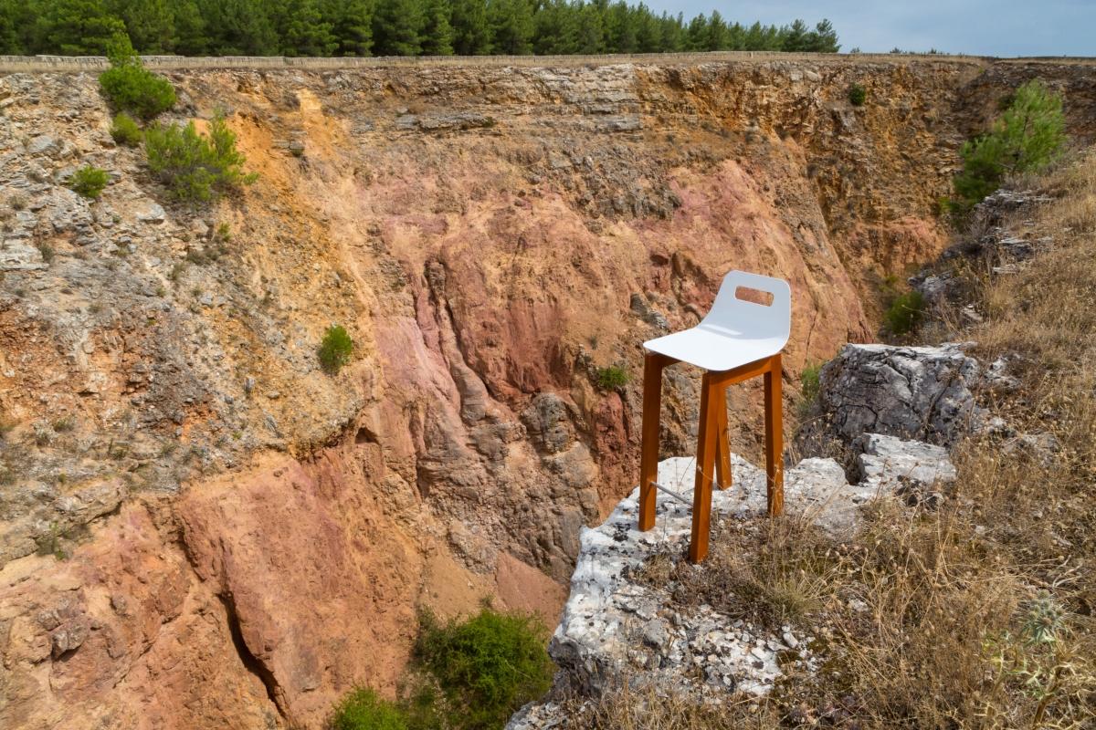 """""""Timo stool"""", design Michelangelo Olivieri per m12 AD"""