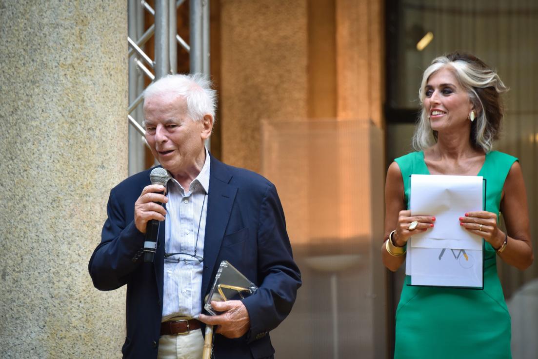カルロ・バルトリのCompasso D'oroのアラカリエラ、賞