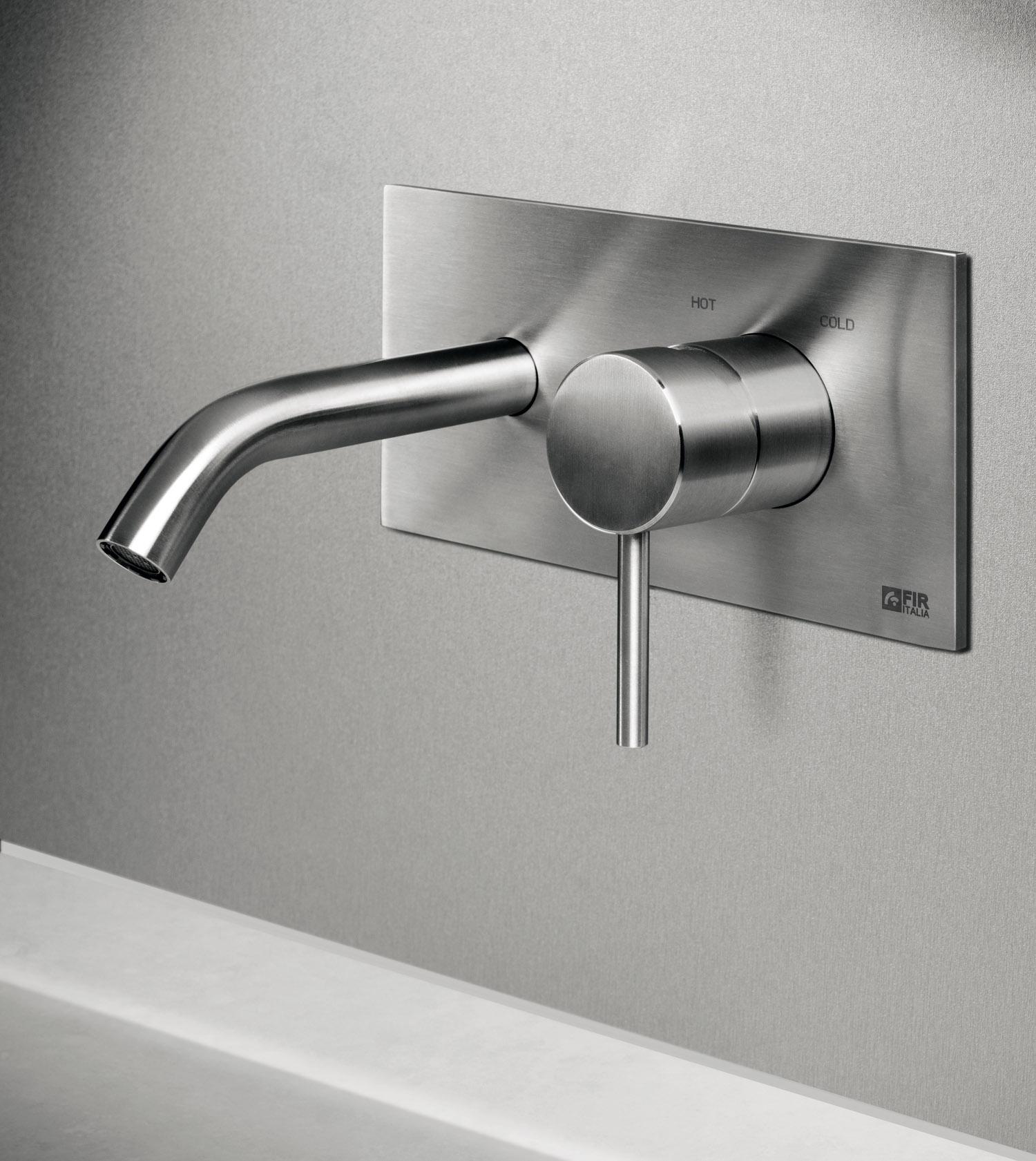 Rubinetterie e soffioni doccia in acciaio inossidabile aisi 316l cleosteel di fir italia - Rubinetto a parete bagno ...