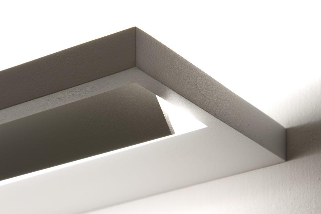 Tablet lampada da parete essenziale e versatile social design