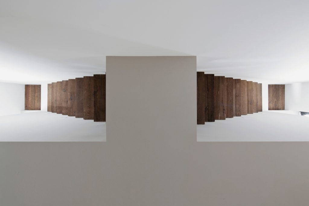 Loft verticale Westway Achitects, il sistema di scale ispirato alle costruzioni impossibili di Escher