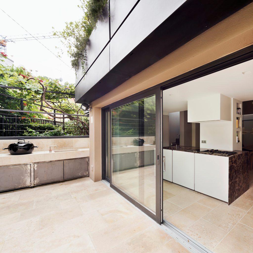 Loft verticale Westway Achitects, cucina e outdoor