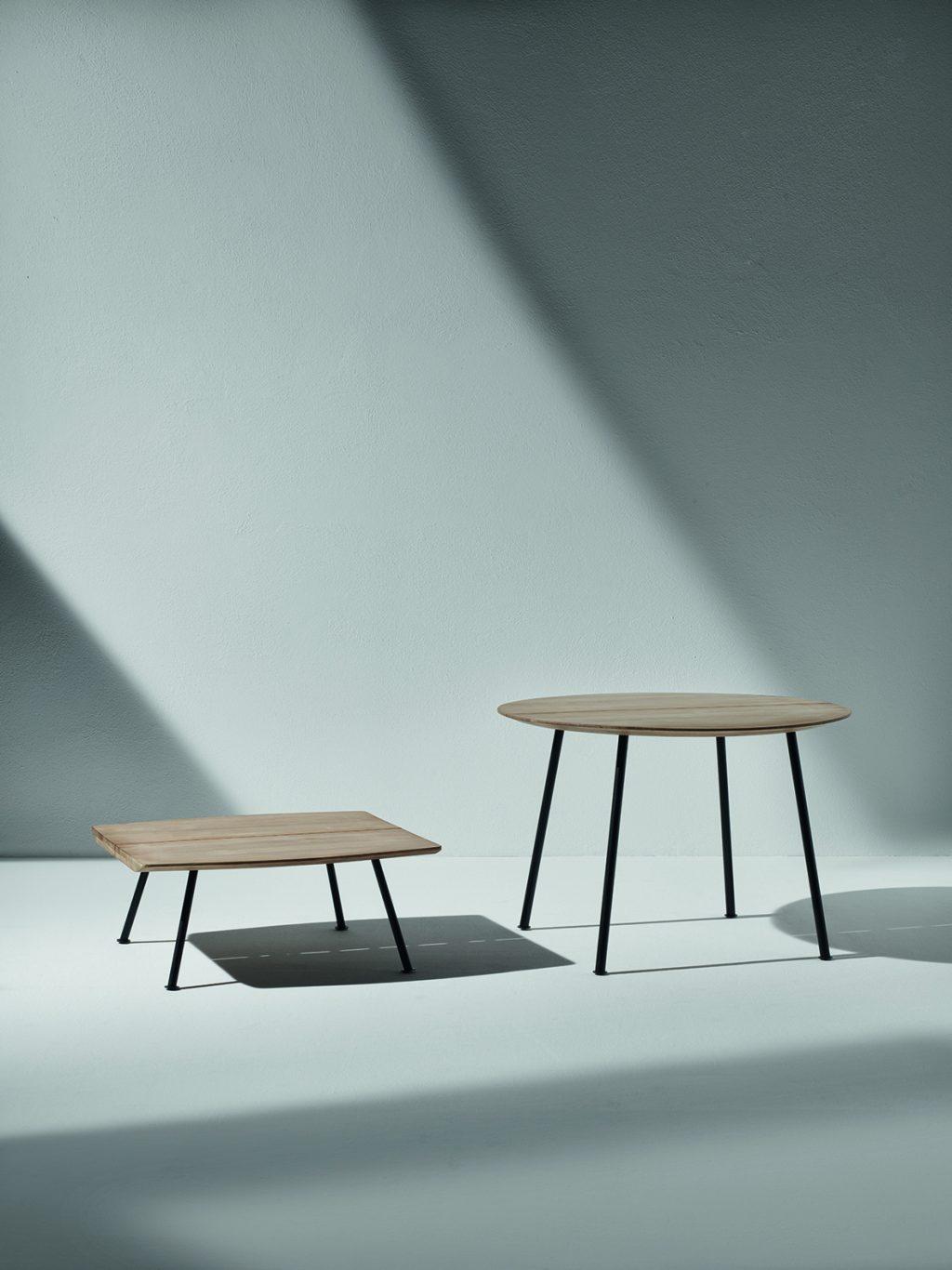 Collezione di tavoli e sedute Agave di Ethimo