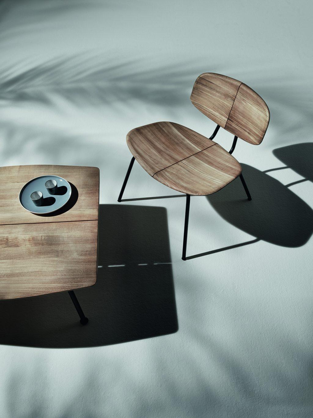Sammlung von Tischen und Stühlen Agave Ethimo