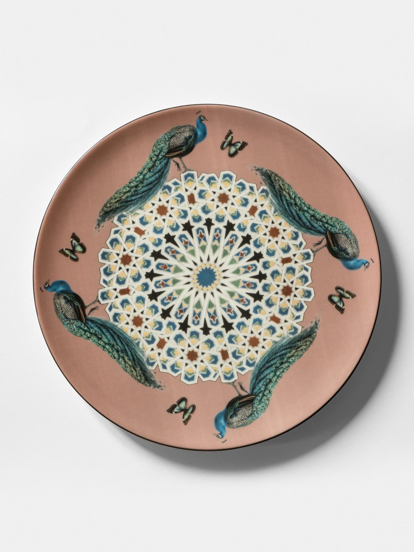 コンスタンティノープル、ヴィトネスタ、孔雀によって食器のコレクション