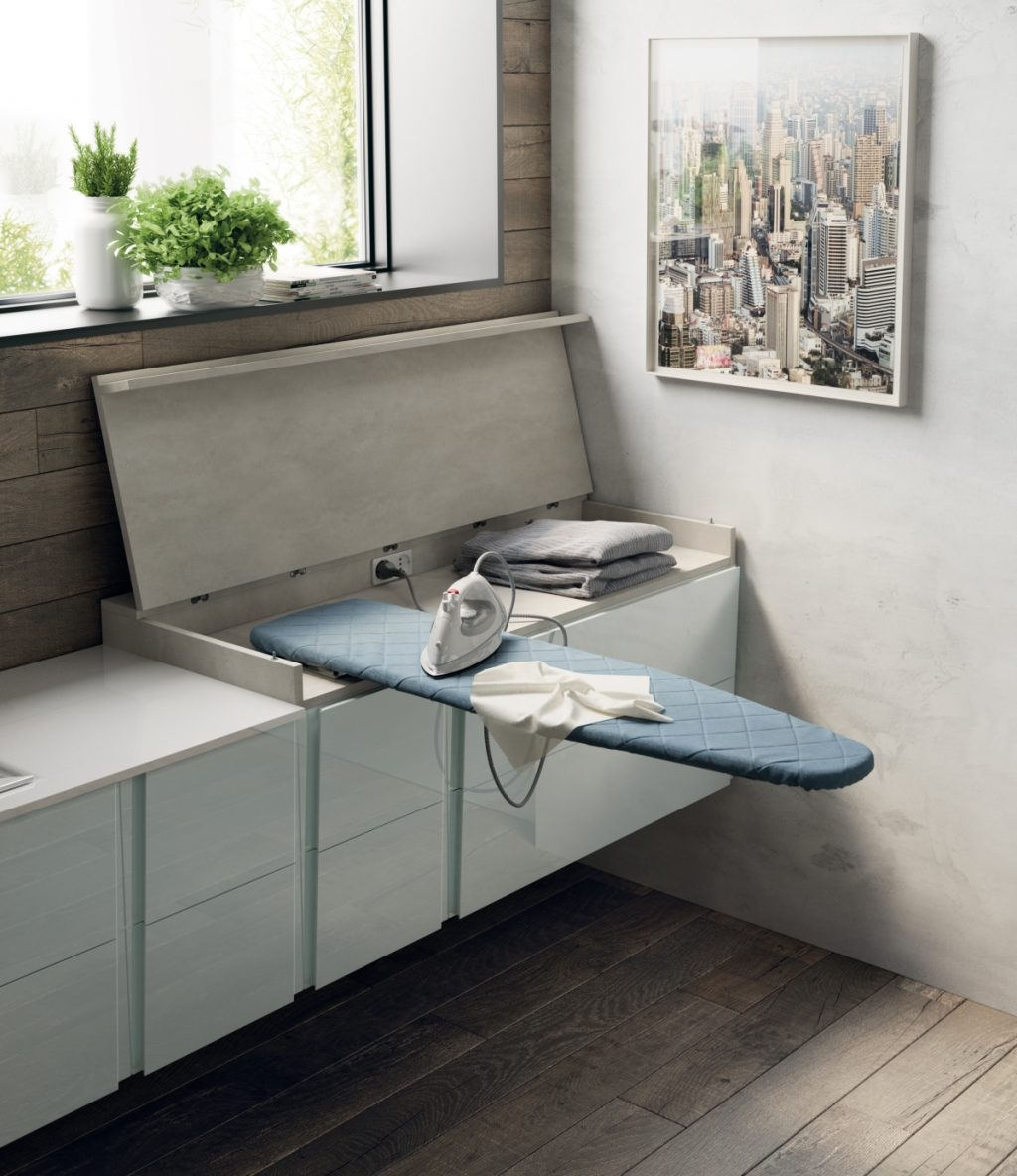 Scavoliniバスルームによるランドリースペース