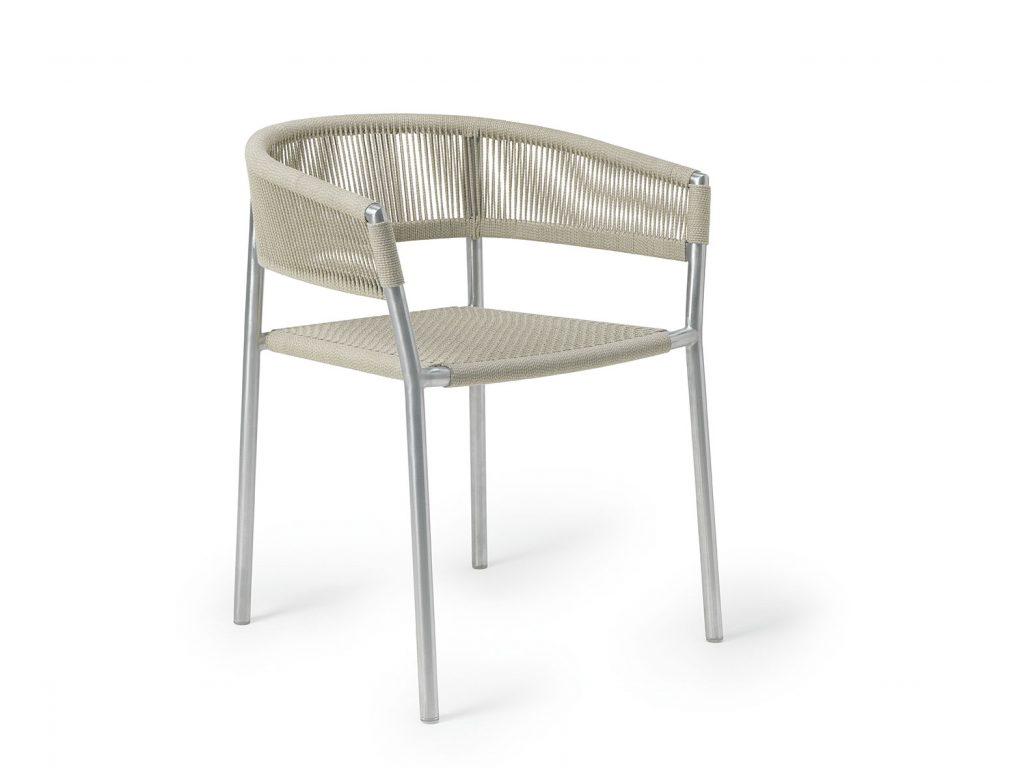 Seduta impilabile Kilt di Ethimo