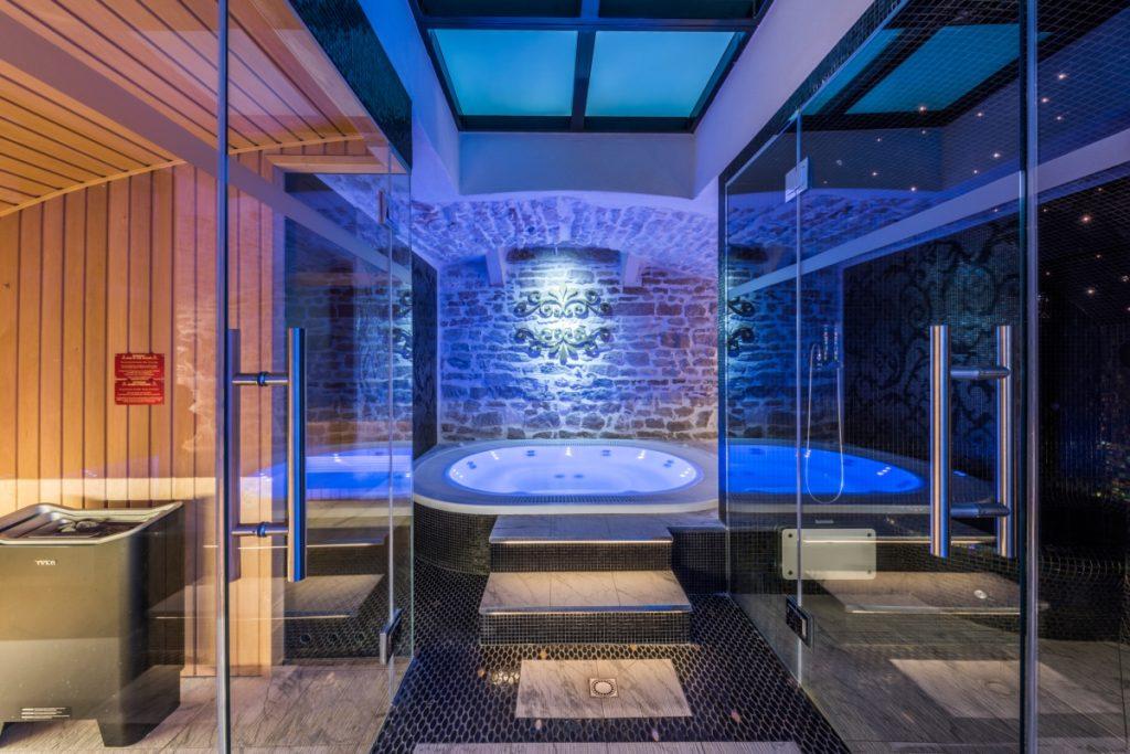 ein spa mit einem mittelalterlichen alberto apostoli - Spa Und Wellness Zentren Kreative Architektur