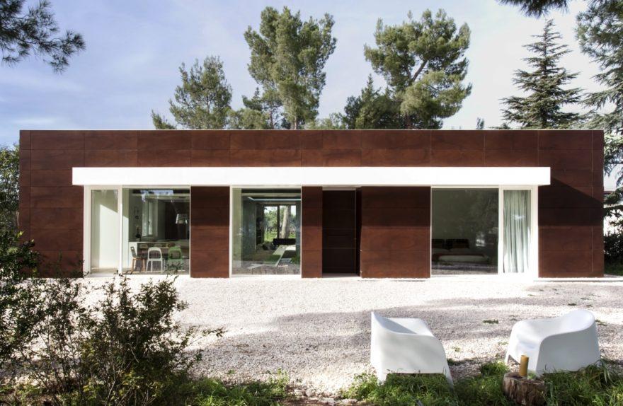 Villa PNK une maison de studio durable m12 AD 01