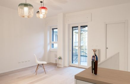 White and inspiration to Scandinavian design, Plus Ultra studio, duplex conversion Milano
