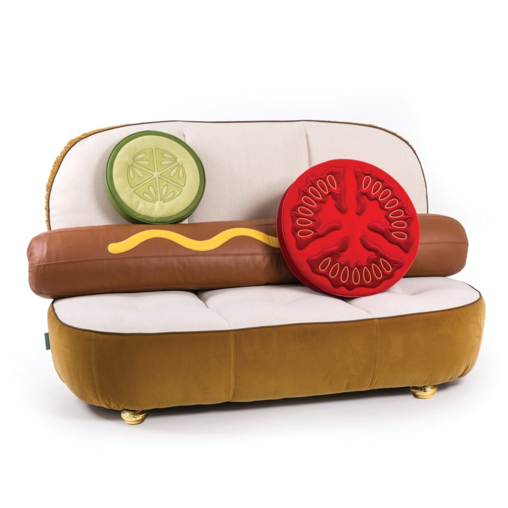 Un Limited - Hot Dog Sofa 1