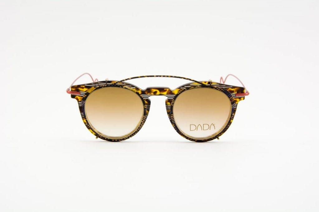 Coleção de karawane de novela Eyewear Chanel