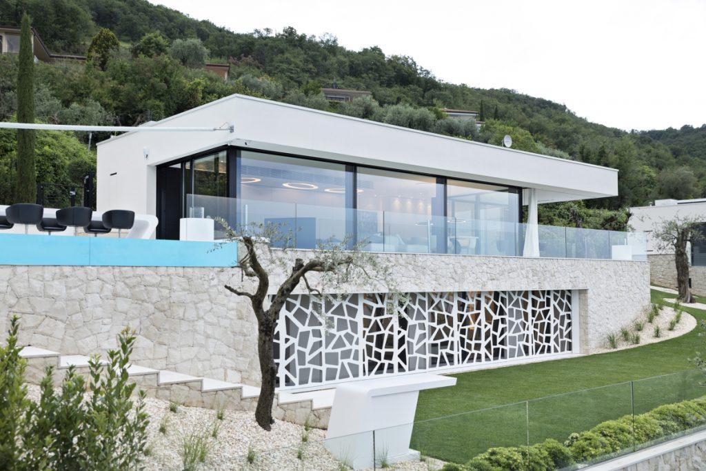 Maison de rêve sur le lac de Garde