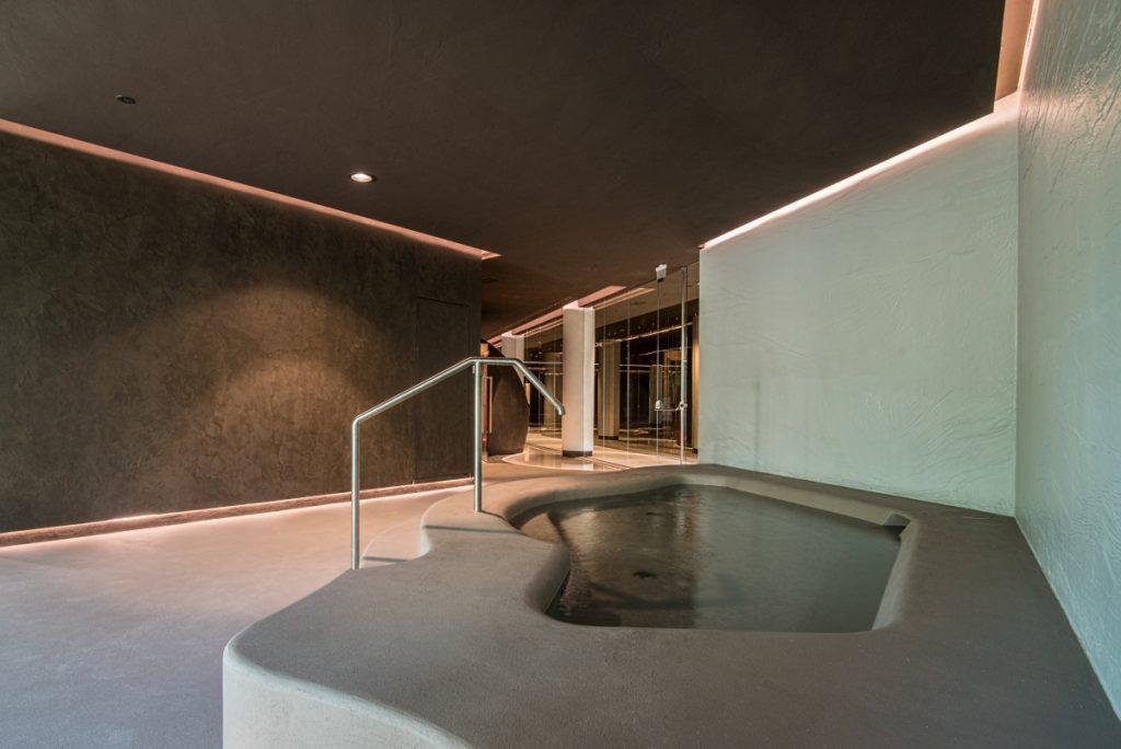 Neró Spa Studio Apostoli, o Caminho Kneipp e a piscina flutuante
