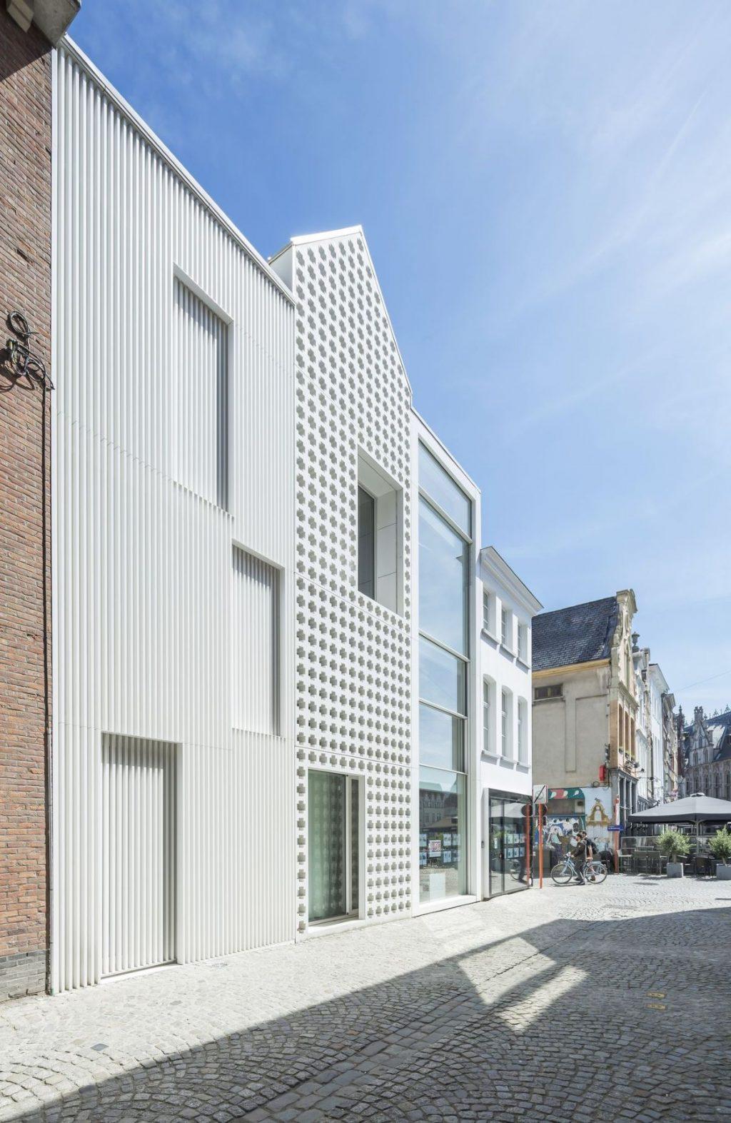 ロレーネン dmvA Architecten の家