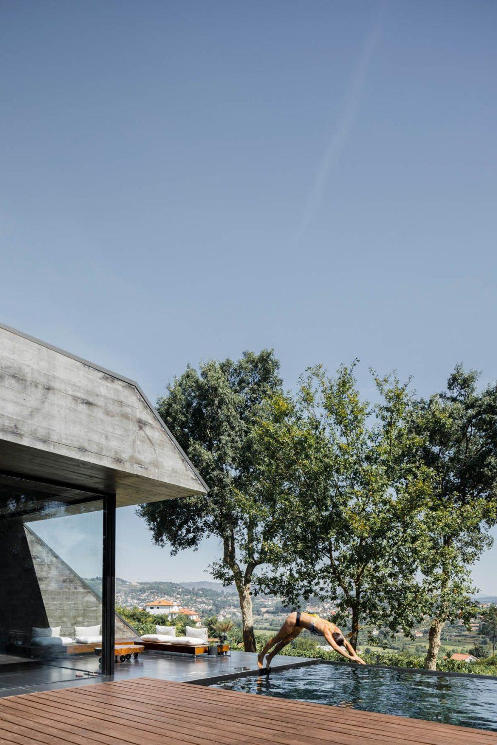 Vivienda unifamiliar entre alcornoques - Hugo Pereira Arquitetos