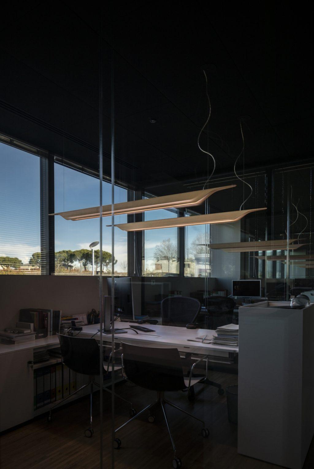 Lámpara de suspensión TROAG design Luca Nichetto para Foscarini